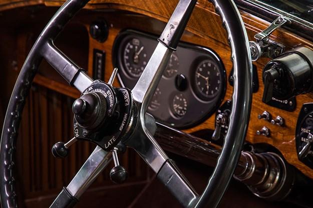 rolls-royce-phantom-dash.jpg