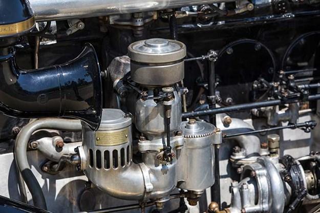 rolls-royce-phantom-engine-2.jpg