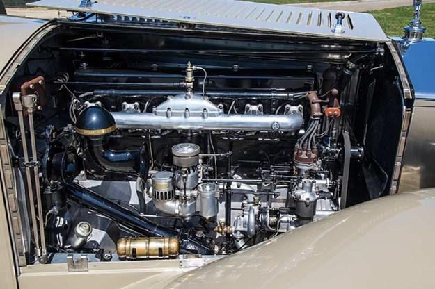 rolls-royce-phantom-engine.jpg