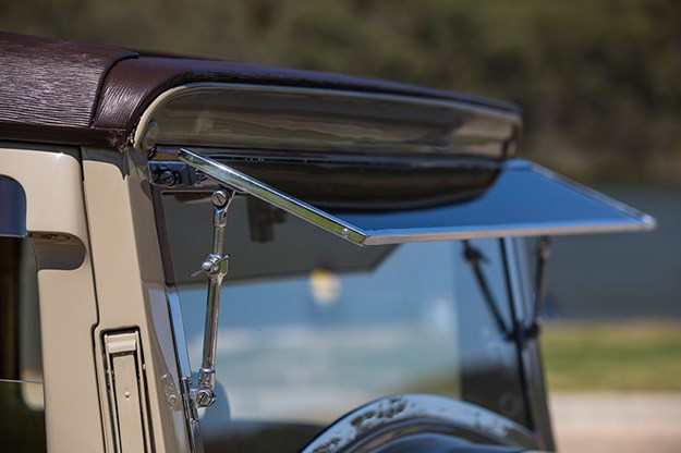 rolls-royce-phantom-windscreen.jpg