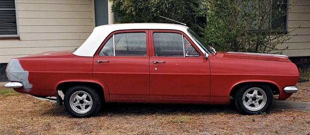 HR-Holden-side.jpg