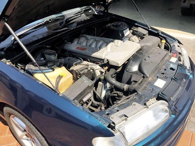 HSV-Manta-engine.jpg