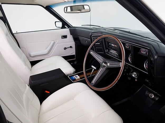 Rothmans-XA-interior.jpg