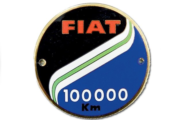 fiat-grille-badge.jpg