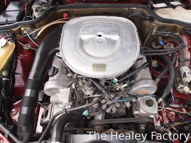 W126-500SEL-engine.jpg