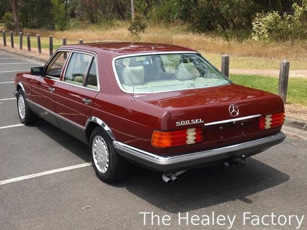 W126-500SEL-rear-side.jpg