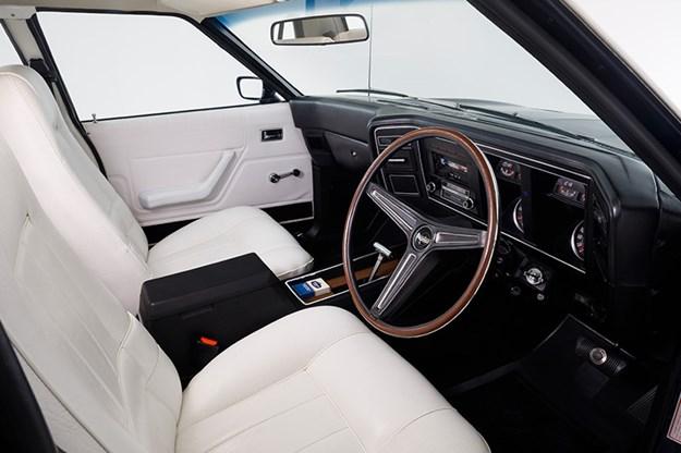 ford-falcon-xa-gt-interior.jpg