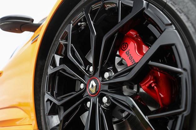 renault-megane-wheel.jpg