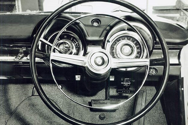 dodge-phoenix-steering-wheel.jpg