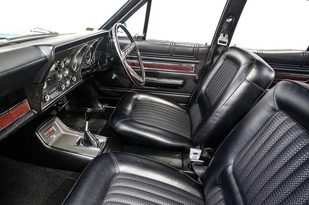 falcon-xw-gt-interior-2.jpg
