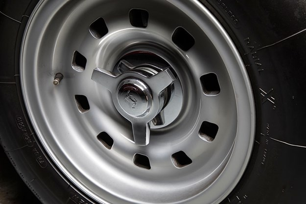 ferrari-wheel.jpg