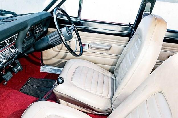 valiant-vg-pacer-interior.jpg