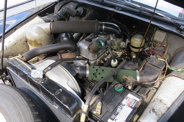 citroen-id19-engine-bay.jpg
