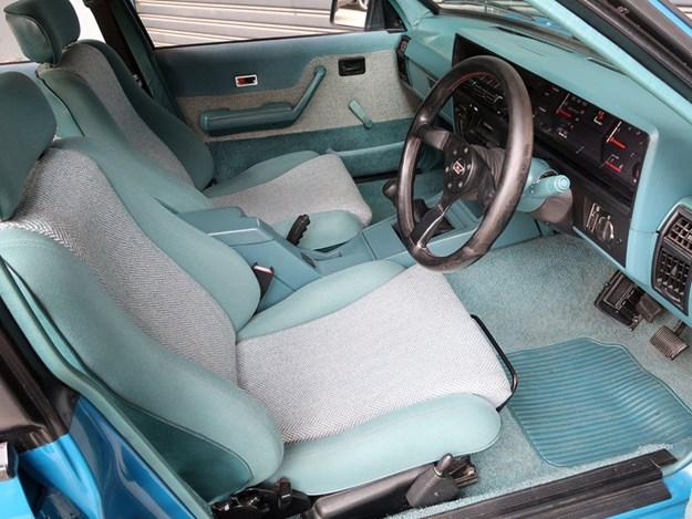 Shannons-February-sale-VK-HDT-interior.jpg