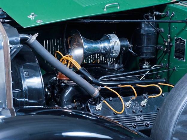Al-Capone's-Cadillac-engine.jpg