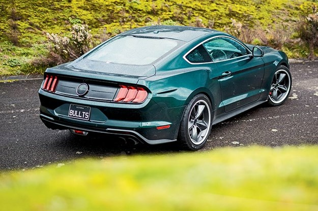 R:\Web\WebTeam\Mary\Motoring\UC 436\toybox\ford-mustang-rear.jpg