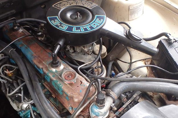 R:\Web\WebTeam\Mary\Motoring\UC 436\our shed gt\holden-commodore-vh-wagon-engine.jpg