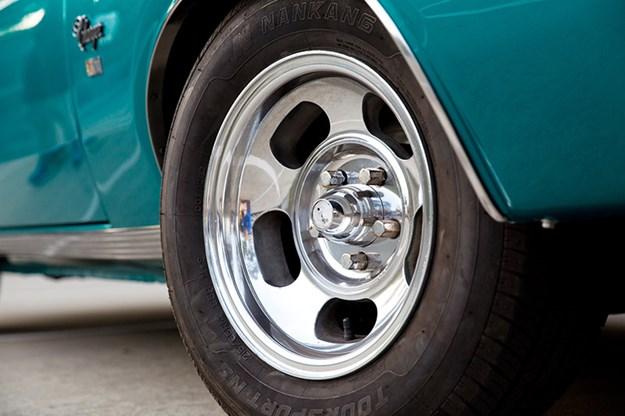 chrysler-valiant-charger-wheel.jpg