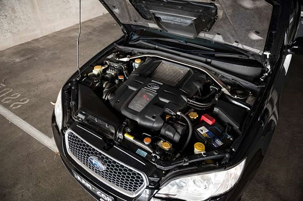 subaru-liberty-gt-engine-bay.jpg