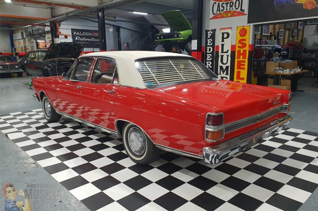 ZD-Fairlane-rear-side.jpg