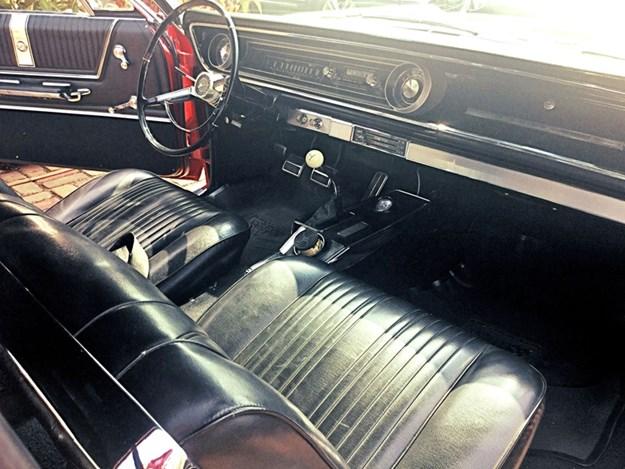 Chevrolet-Impala-SS-interior.jpg