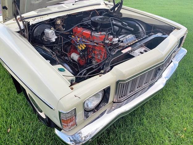 HX-Kingswood-ute-engine.jpg