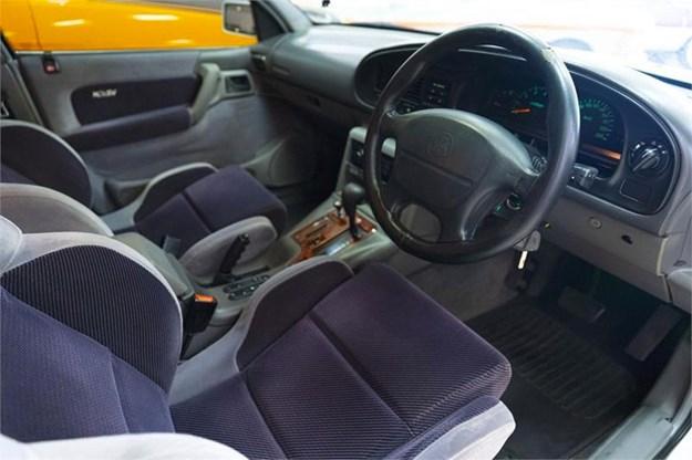 HSV-Senator-interior.jpg