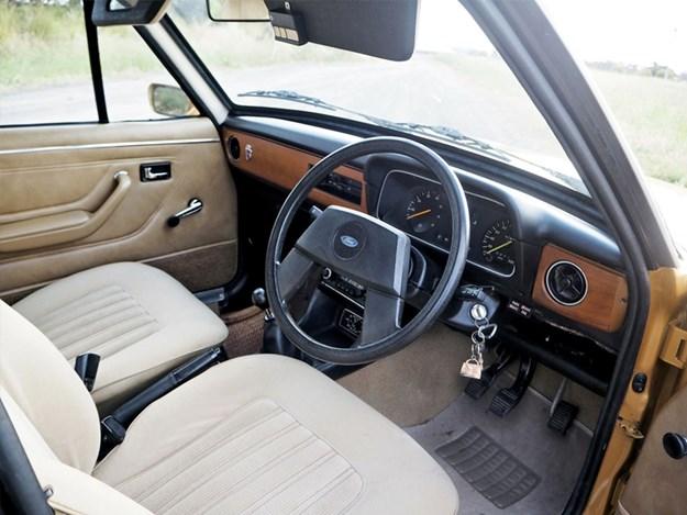 MkII-Escort-Tempter-interior.jpg
