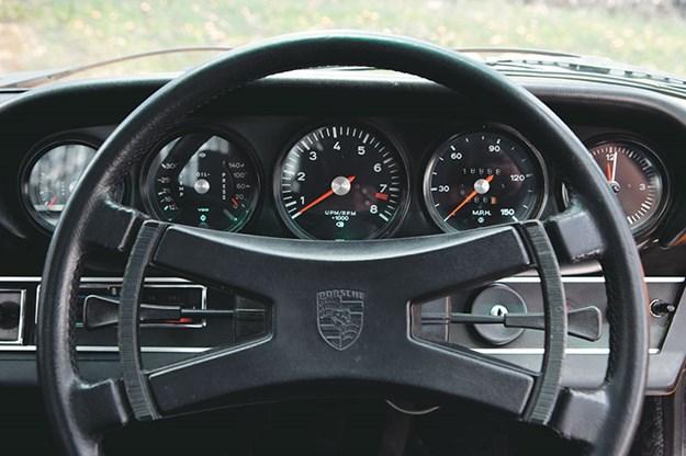 porsche-911-dash-2.jpg