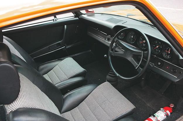 porsche-911-interior-2.jpg