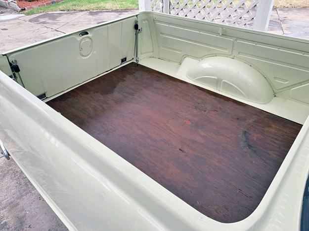 Holden-EK-Tempter-bed.jpg