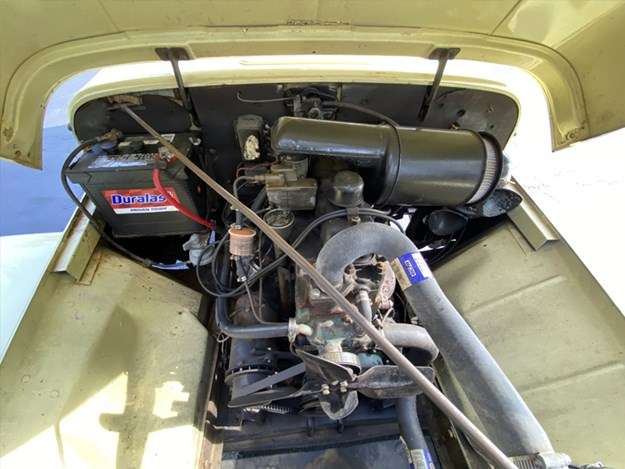 Willys-Jeepster-engine.jpg