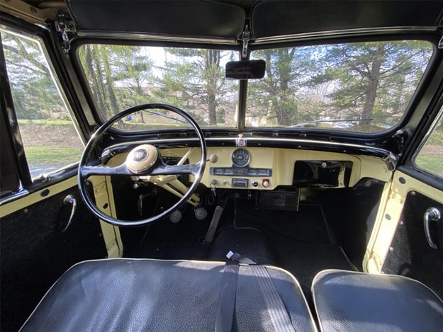 Willys-Jeepster-interior.jpg