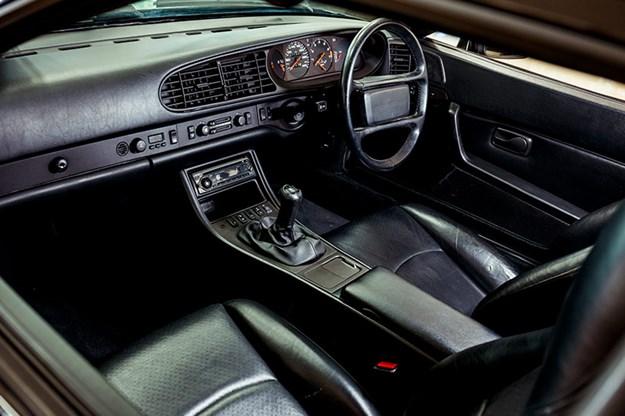 porsche-944-interior-2.jpg