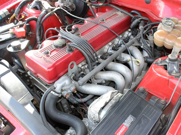 FG-XR6-ute-for-sale-in-America-engine.jpg