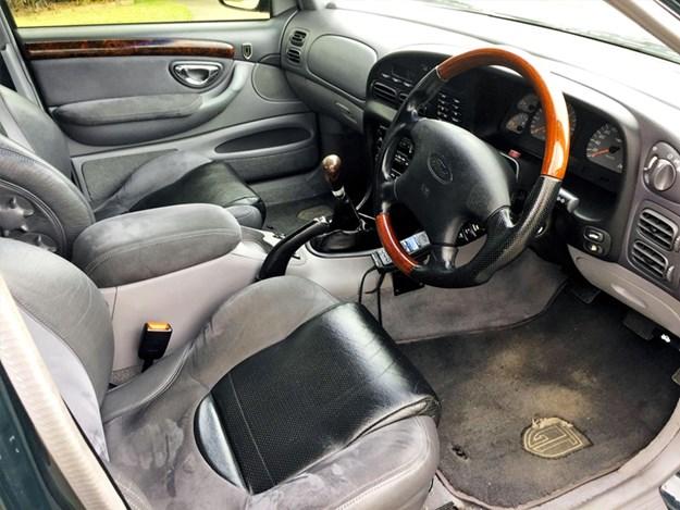 EL-GT-tempter-interior.jpg