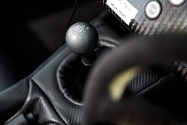 caterham-seven-gearstick.jpg