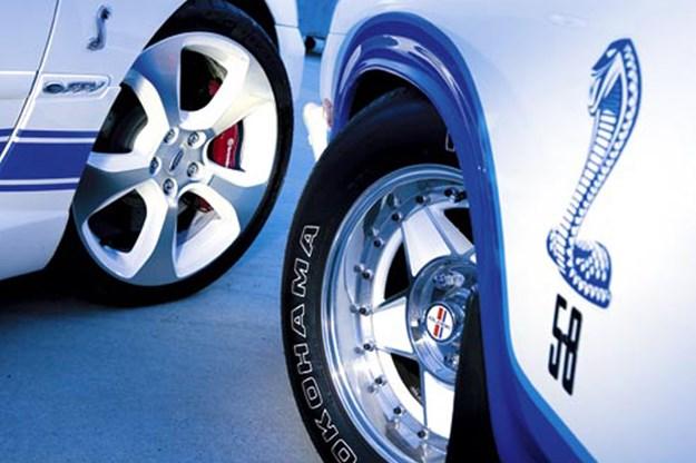 R:\Web\WebTeam\Mary\Motoring\UC 261 to 399\UC 284\cobra\ford-cobra-wheels.jpg