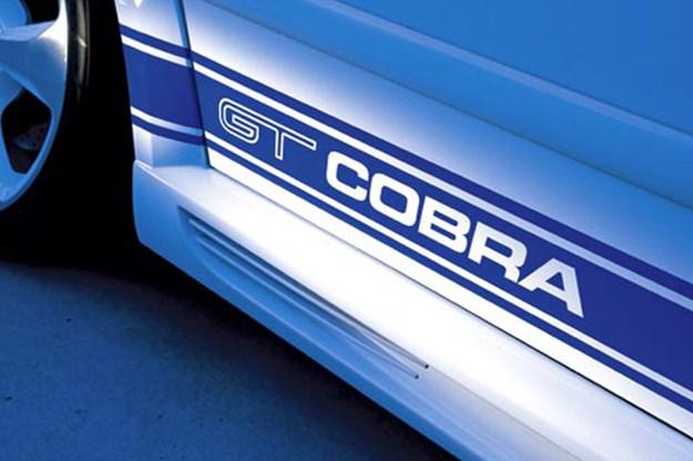 R:\Web\WebTeam\Mary\Motoring\UC 261 to 399\UC 284\cobra\ford-cobras-7.jpg