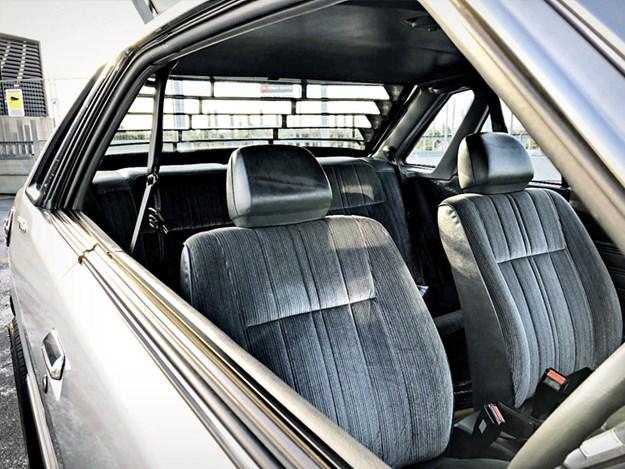 Subaru-Leone-interior-seats.jpg