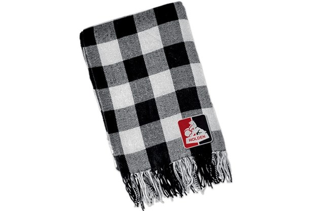 R:\Web\WebTeam\Mary\Motoring\UC 438\gearbox\holden-scarf.jpg