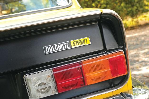 R:\Web\WebTeam\Mary\Motoring\UC 261 to 399\UC 284\Dolomite\triumph-dolomite-tail-light.jpg