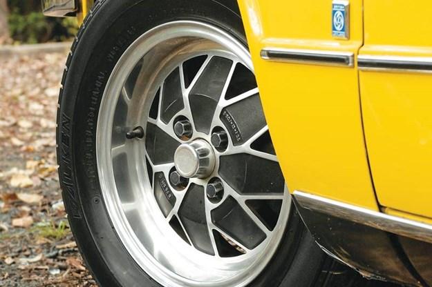 R:\Web\WebTeam\Mary\Motoring\UC 261 to 399\UC 284\Dolomite\triumph-dolomite-wheel.jpg