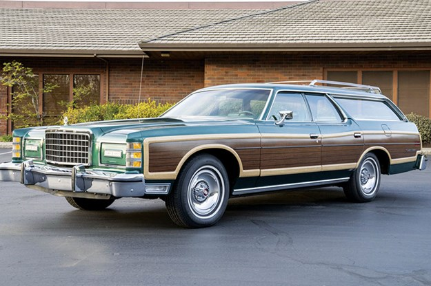 R:\Web\WebTeam\Mary\Motoring\UC 439\auction\ford-country-squire.jpg