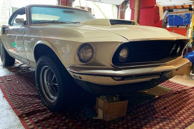 R:\Web\WebTeam\Mary\Motoring\UC 439\auction\ford-mustang-boss.jpg