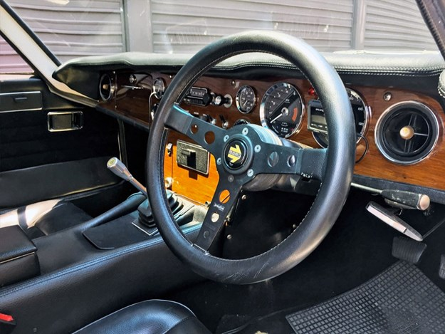 Lotus-Elan-+2-tempter-interior.jpg