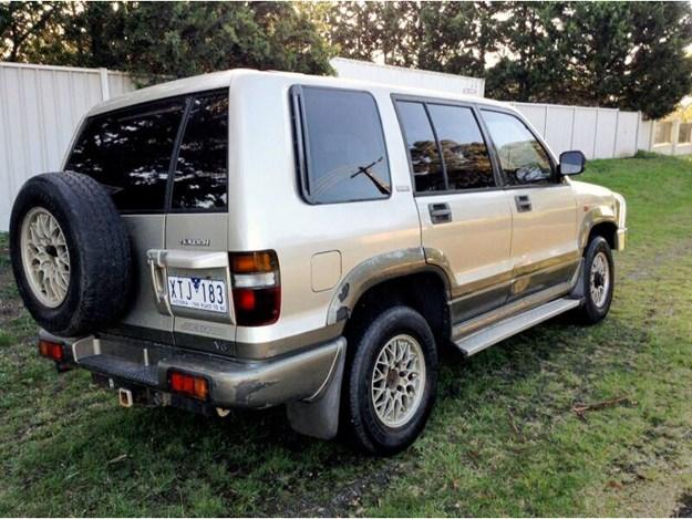 HSV-Jackaroo-rear-side-damage.jpg