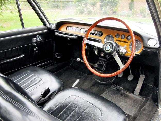 Lancia-Fulvia-interior.jpg