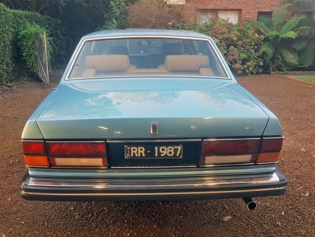 Rolls-Royce-Silver-Spirit-rear.jpg