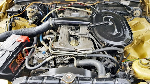 W123-280SEL-engine.jpg
